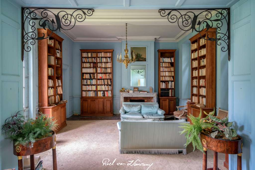 The Bleu Castle Or The Castle Of Books Lost For Decades
